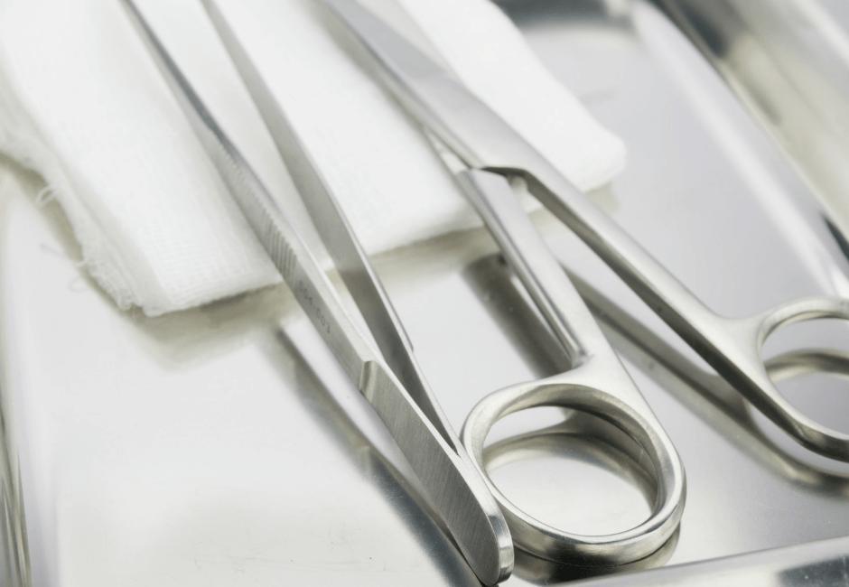 Reinigen en ontsmetten van medische instrumenten